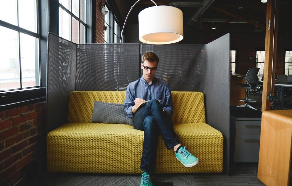 entrepreneur-593359_1280-1024x652.jpg